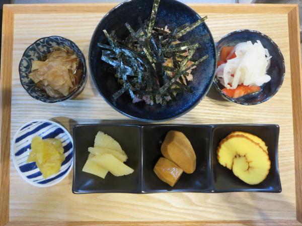 鮭フレークでちらし寿司風の献立