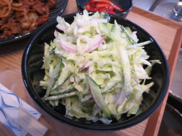千切りレタスのサラダ