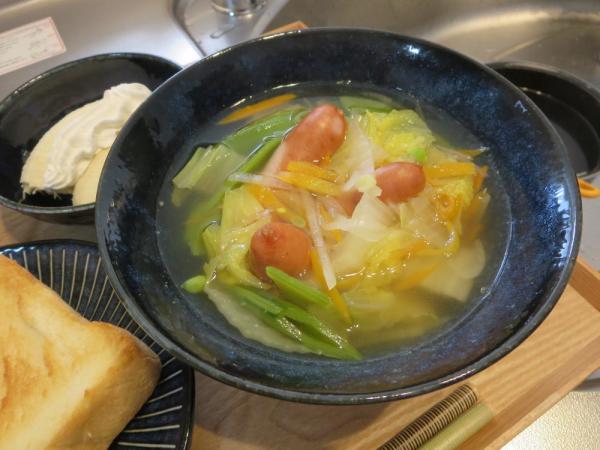 コンソメスープ