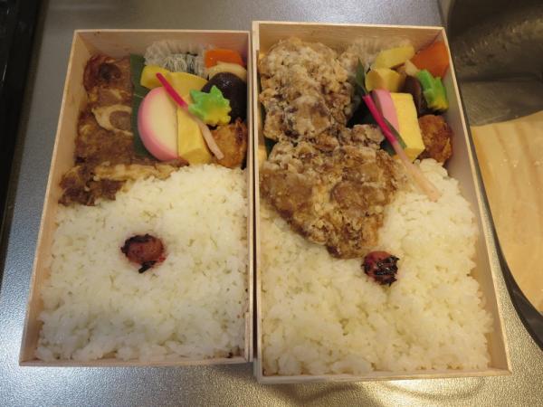 醬油鶏弁当と生姜豚弁当