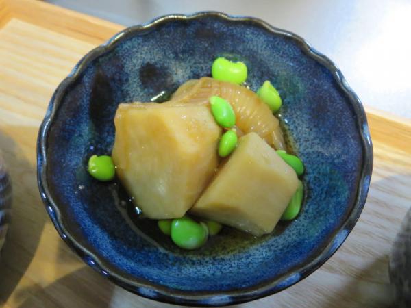 里芋としらたきの煮物