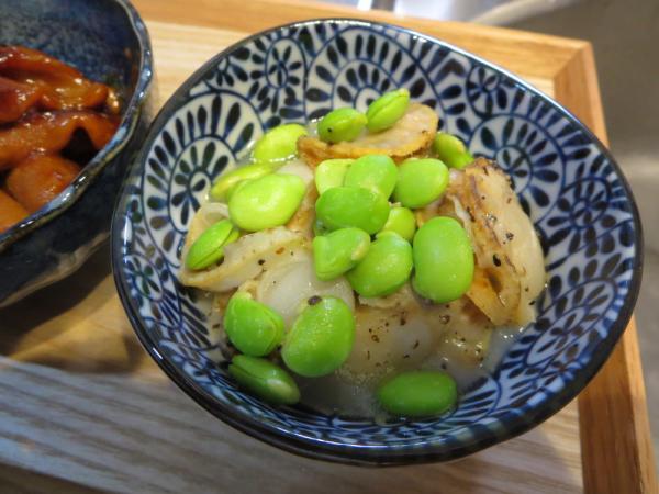ベビー帆立と枝豆のガーリックバターソース
