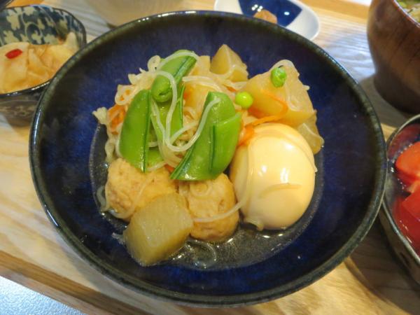 煮物(大根、肉団子、しらたき、たまご)