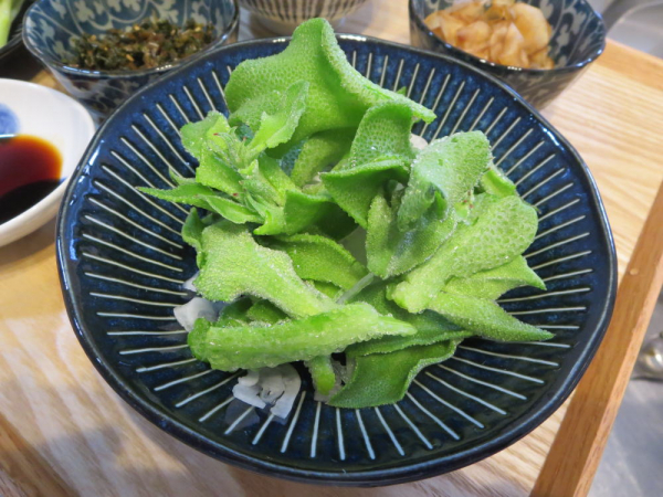 アイスプラントと新玉ねぎのサラダ