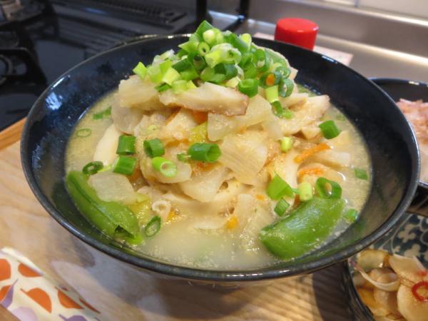 こなべっち ごま豆乳鍋でうどん
