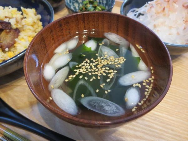 わかめと長ネギの中華スープ