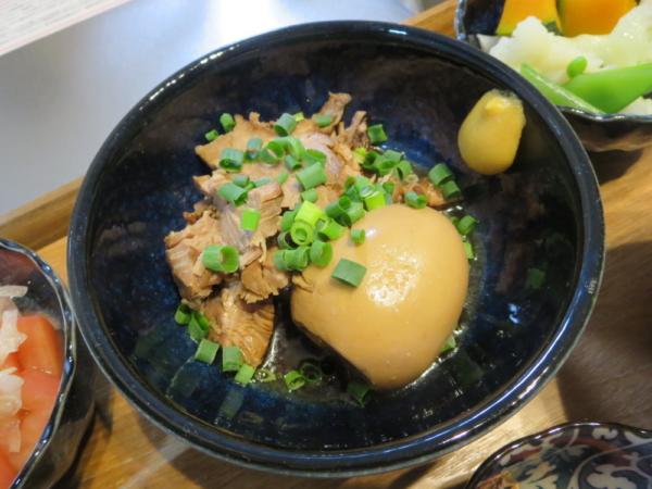 煮豚と煮たまご