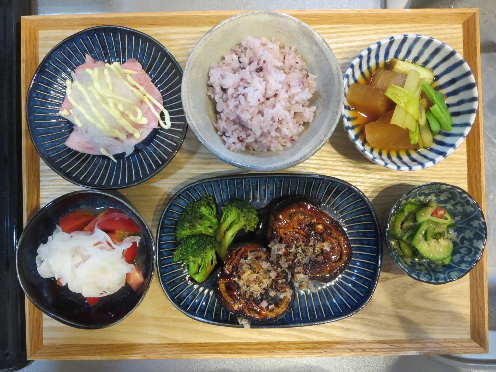 米なすのステーキ風の献立