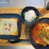 ハムチーズトーストとシェルマカロニのトマトスープの献立
