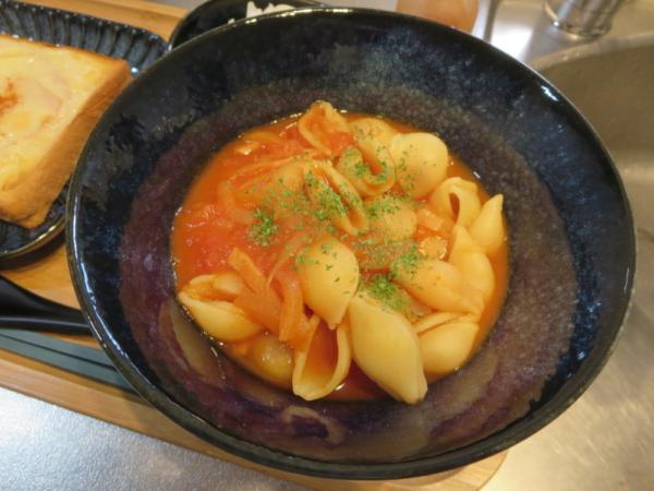 シェルマカロニのトマトスープ