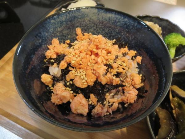 鮭フレーク丼