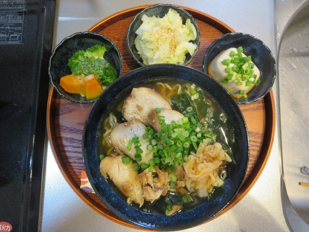 わかめラーメン(インスタント袋麺)の献立