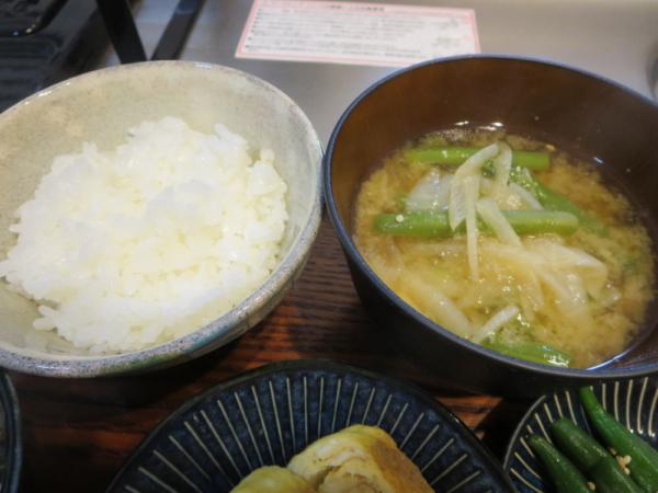 土鍋ごはん、味噌汁