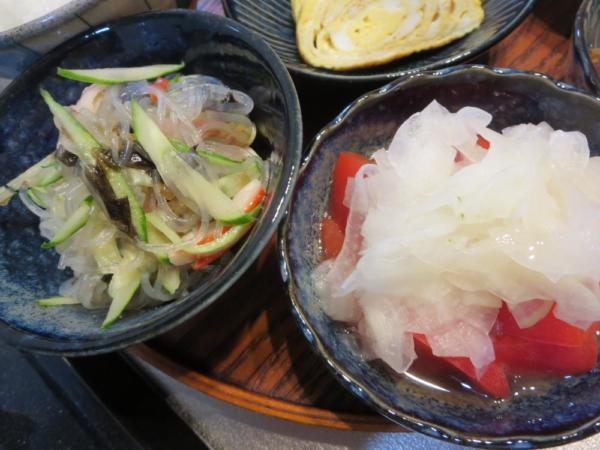 春雨サラダ、トマトの酢玉ねぎのせ