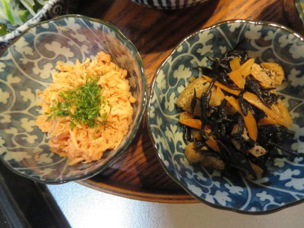 鮭フレーク、ひじき煮