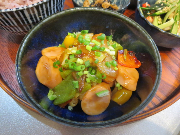 魚肉ソーセージと野菜の甘酢炒め