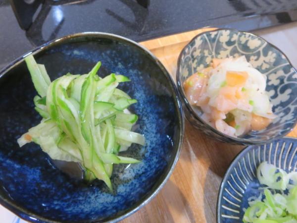 豆腐の梅きゅうりのせ、スモークサーモンのマリネ