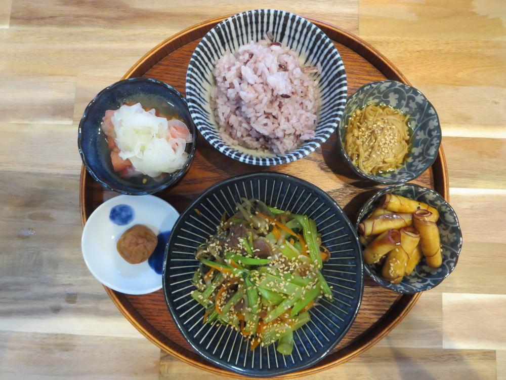 豚肉と小松菜の炒め物の献立