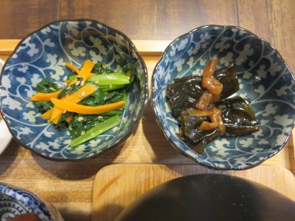 小松菜のナムル、昆布巻き
