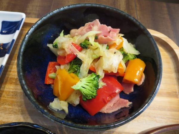 ハムと野菜のソテーサラダ