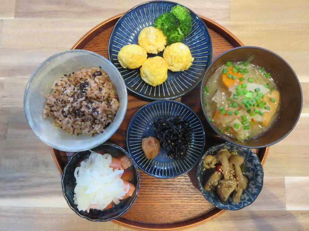 コロコロたまご焼きと酵素玄米(寝かせ玄米)の献立