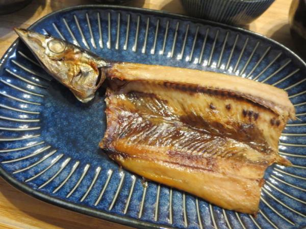焼魚(さんまの開き)