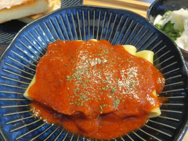 パッケリ(パスタ)の焦がしにんにくの完熟トマトソース