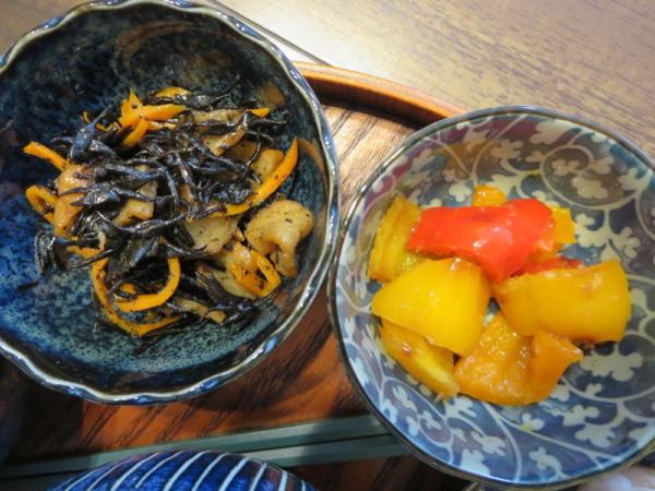ひじき煮、カラーピーマンソテー