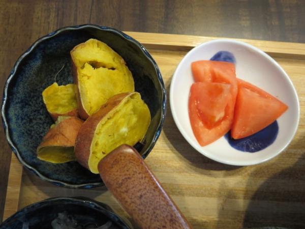 焼き安納芋、トマト