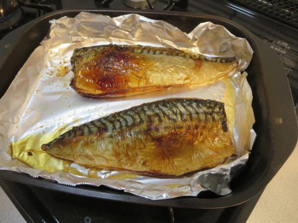 焼魚(塩さば)をグリル名人(グリルパン)で焼く